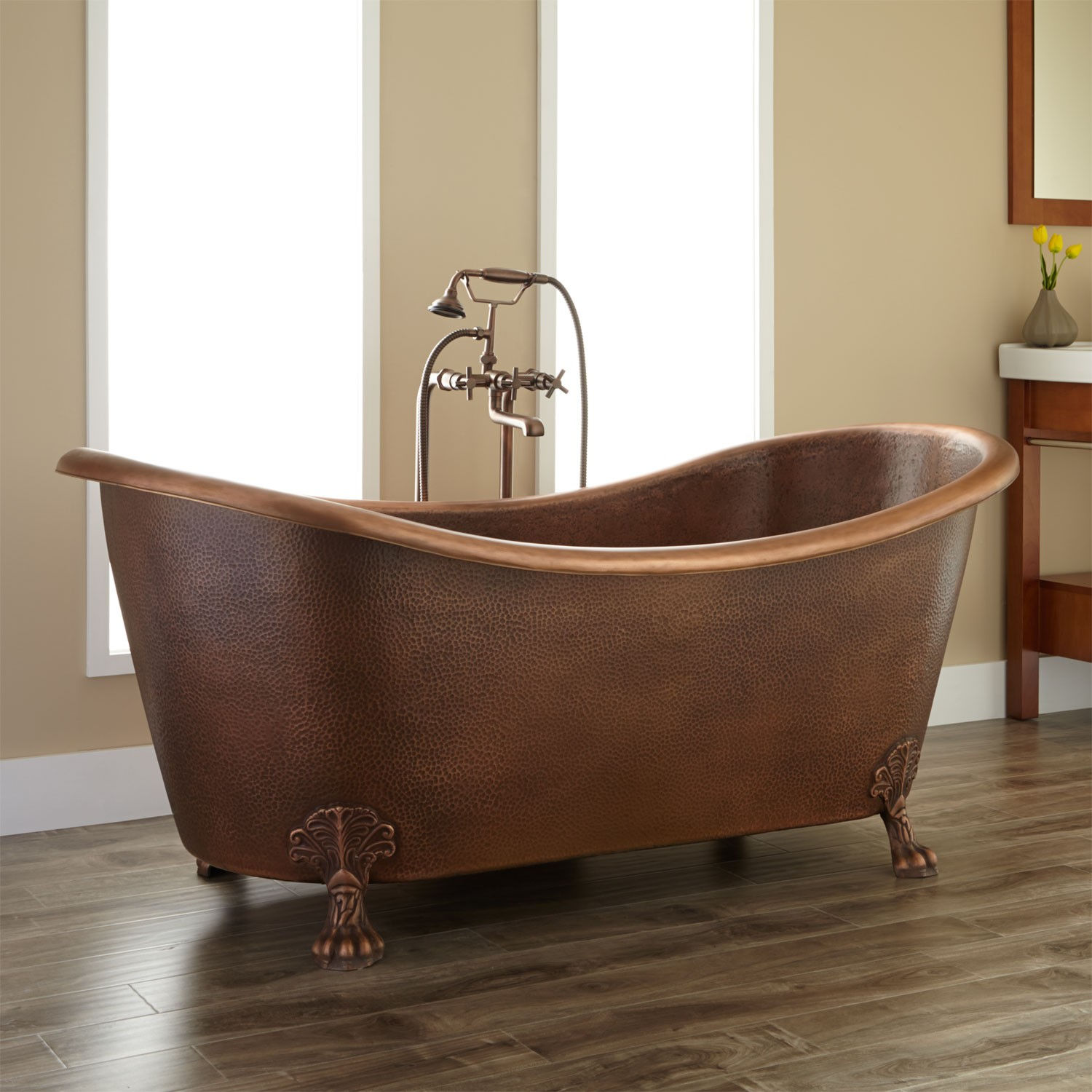 Smallest Bathtub Size-Clawfoot bathtub