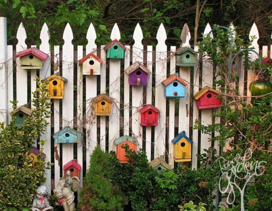 Privacy Fence Ideas-Decor to the fence with hands
