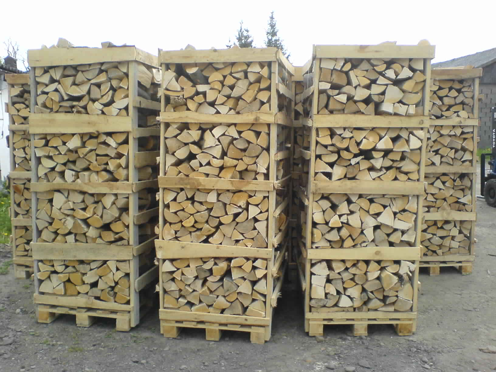 DIY Outdoor Firewood Rack storage levels boxes