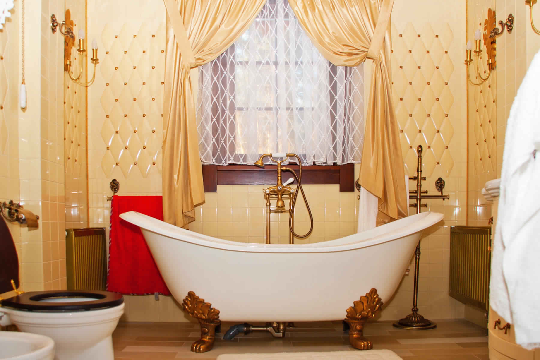 Rustic Bathroom Ideas-Short Golden curtains with picked and tulles in bath