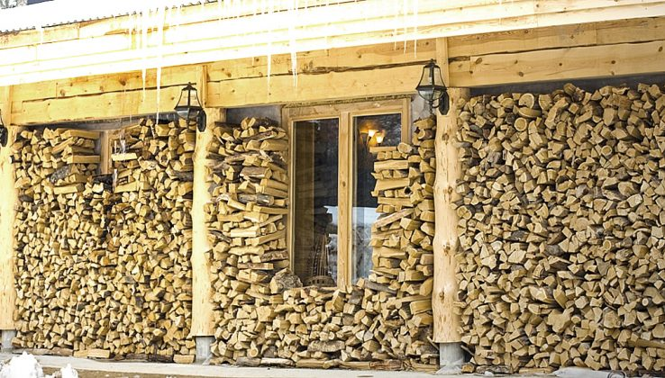 DIY Outdoor Firewood Rack-Stack firewood craft