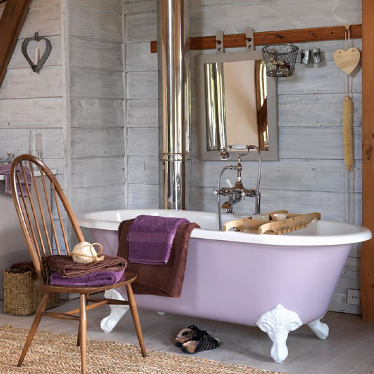 Rustic Bathroom Ideas-bathroom in a rustic style