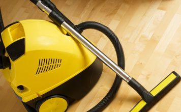 best vacuum for hardwood floors and rugs