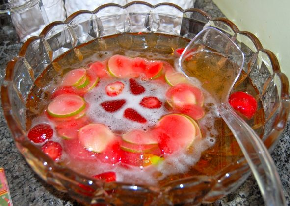 Christmas Punch - Wine Fruit Punch