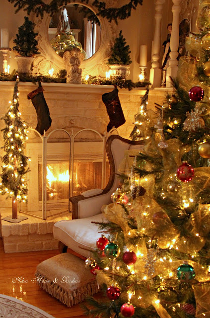 decorating living room for Christmas ideas 19