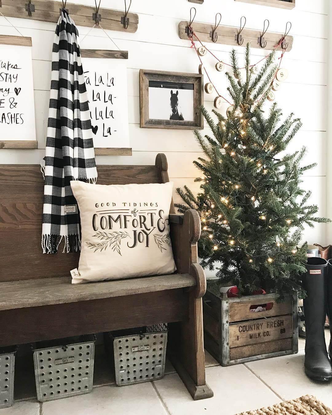 25 DIY Farmhouse Christmas Decor 2017