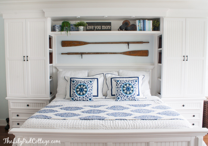 amazing master bedrooms with built-in shelving