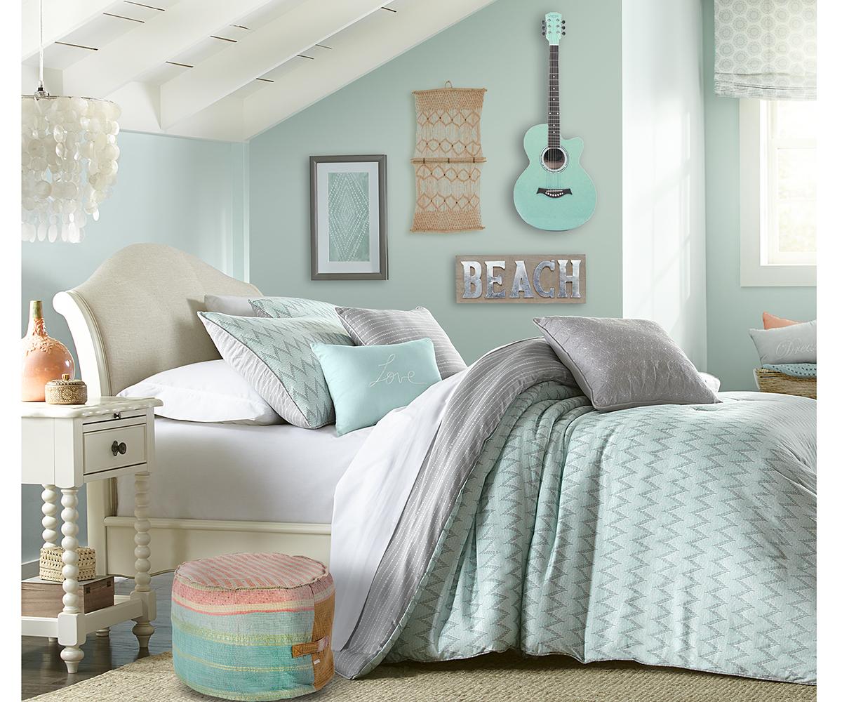 11+ Aqua Bedroom Ideas 1118  Decor Or Design
