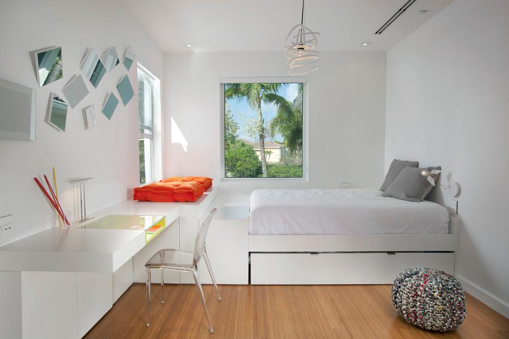 master bedrooms with built-in desk pinterest